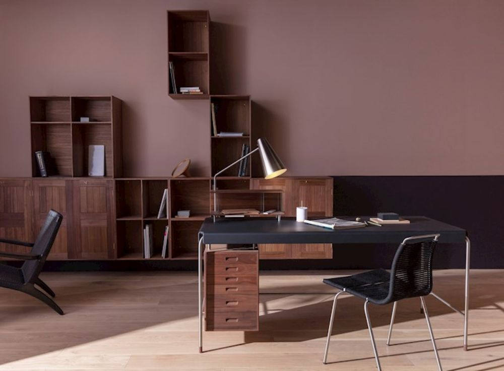 すっきりとした自宅オフィス空間