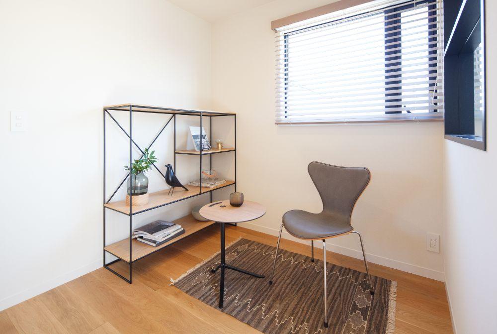 LDK空間の一角に置かれた北欧ブランドの家具