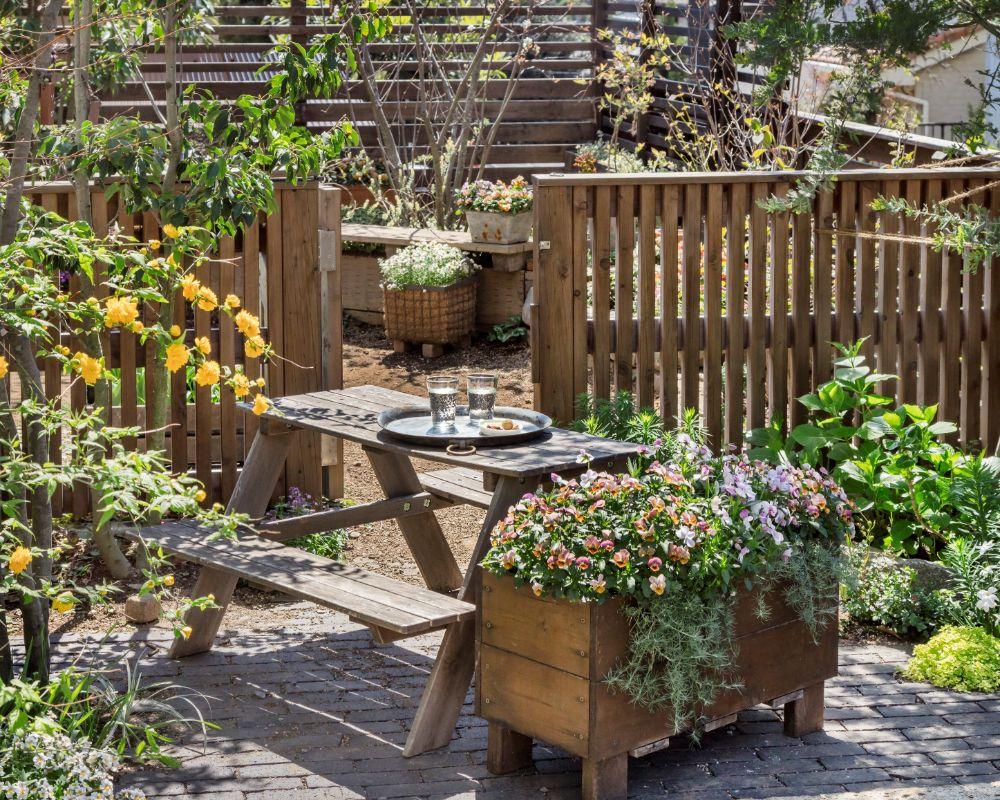 草花がきれいなお庭