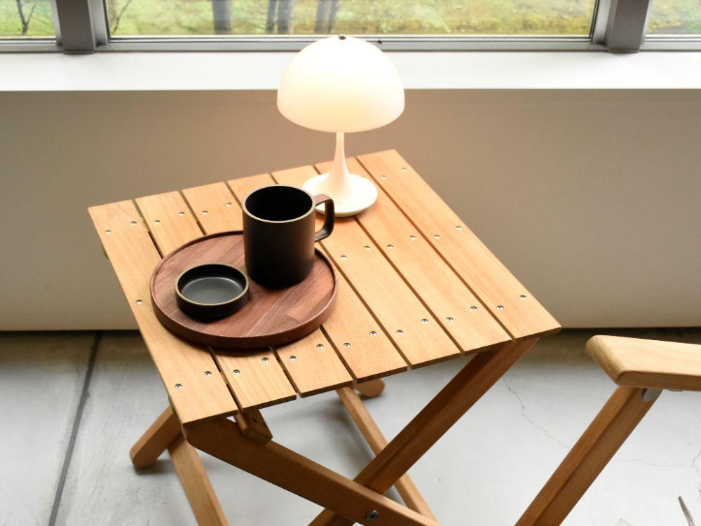 折り畳み式のアウトドア用サイドテーブル