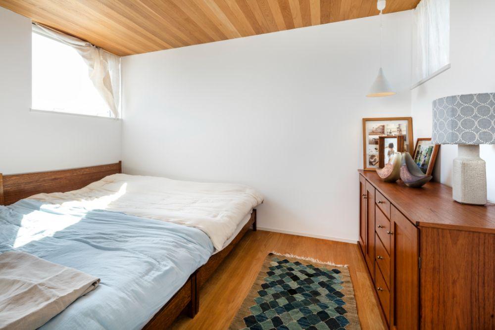 天井が木の部屋