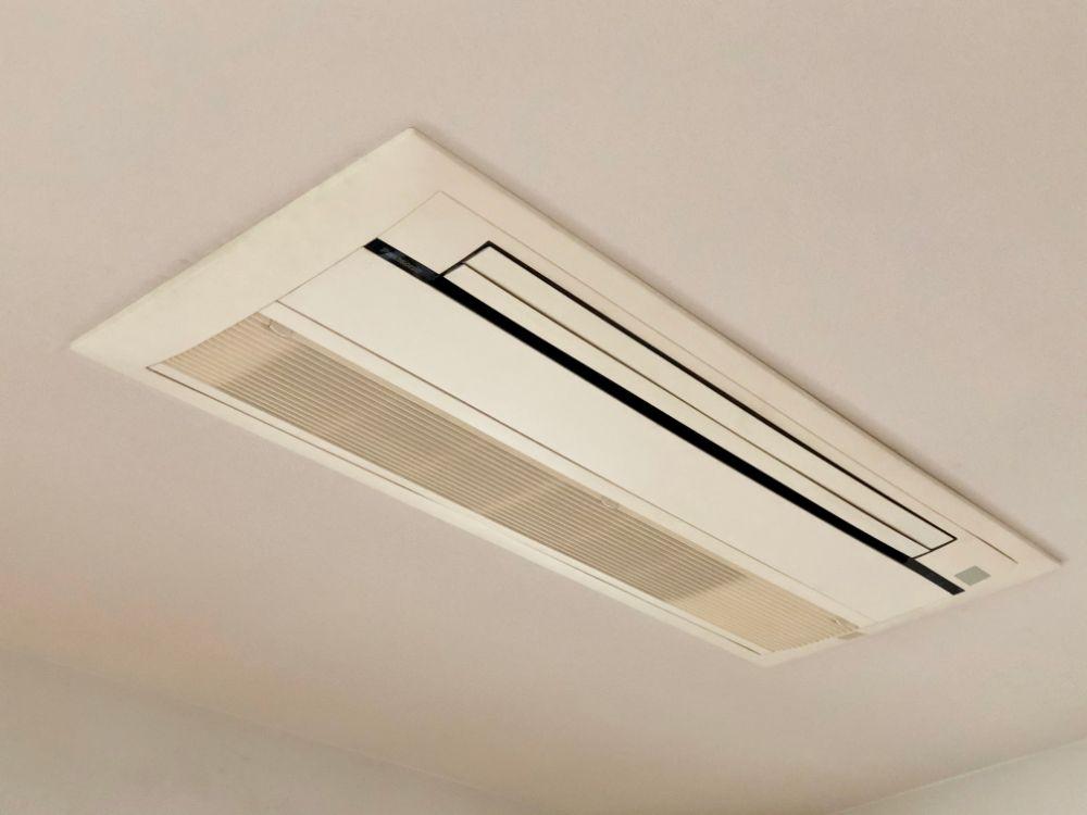 天井付の空調設備