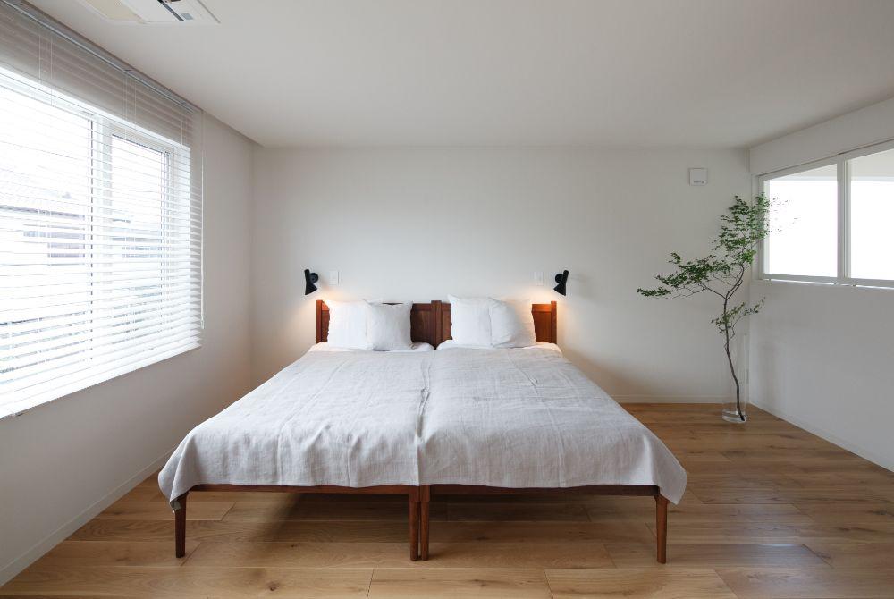 植物のあるベッドルーム