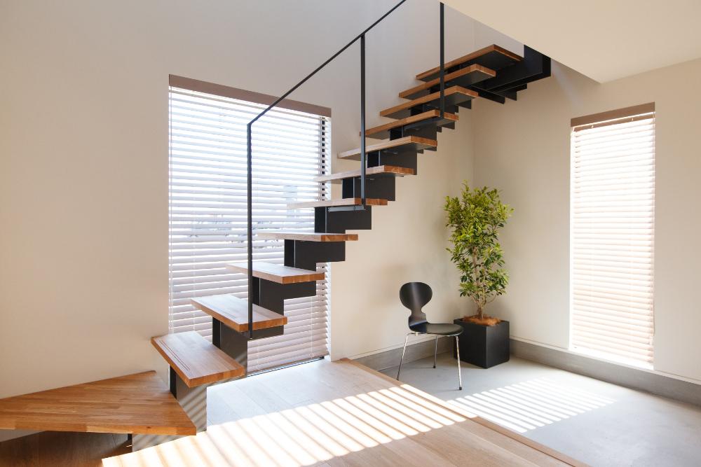 玄関に設置された階段