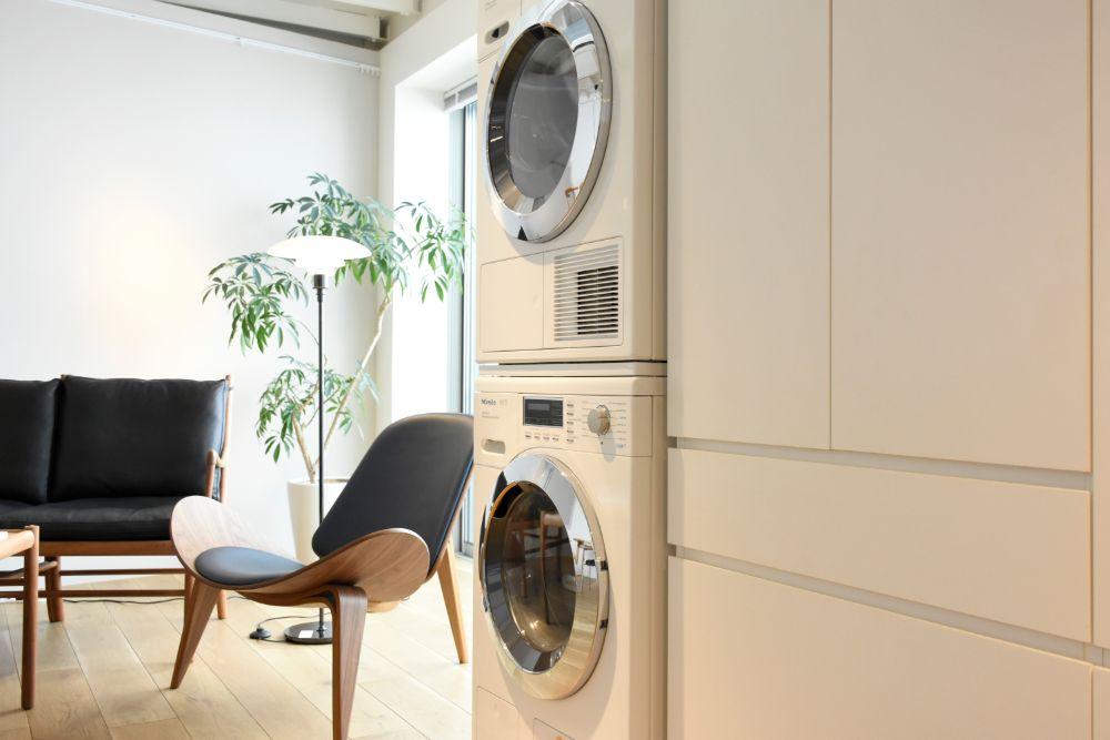 洗濯機と洗濯乾燥機のあるスペース
