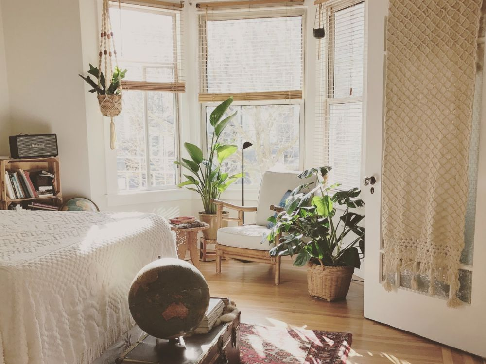 明るいナチュラルな印象の部屋