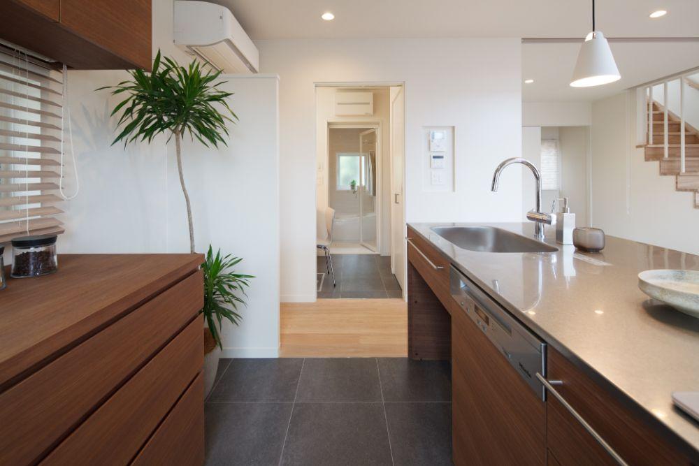 浴室・洗面所・キッチンなどの水回りが近い間取り