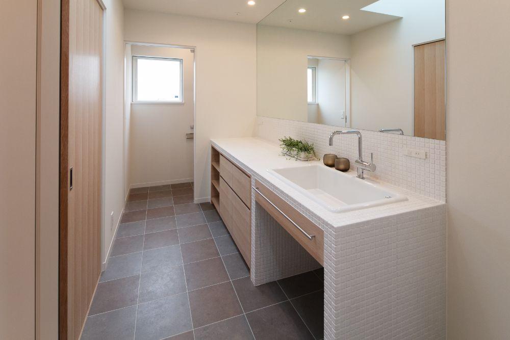 引き戸の洗面所