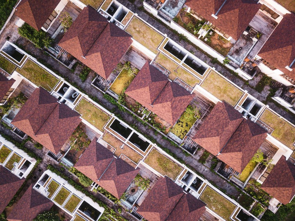 寄棟屋根の家