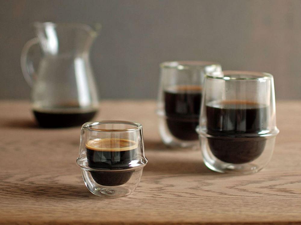 コーヒーの入ったグラス