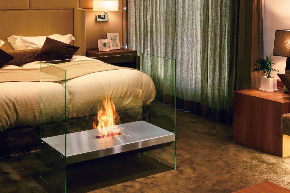 寝室に置かれたエタノール暖炉