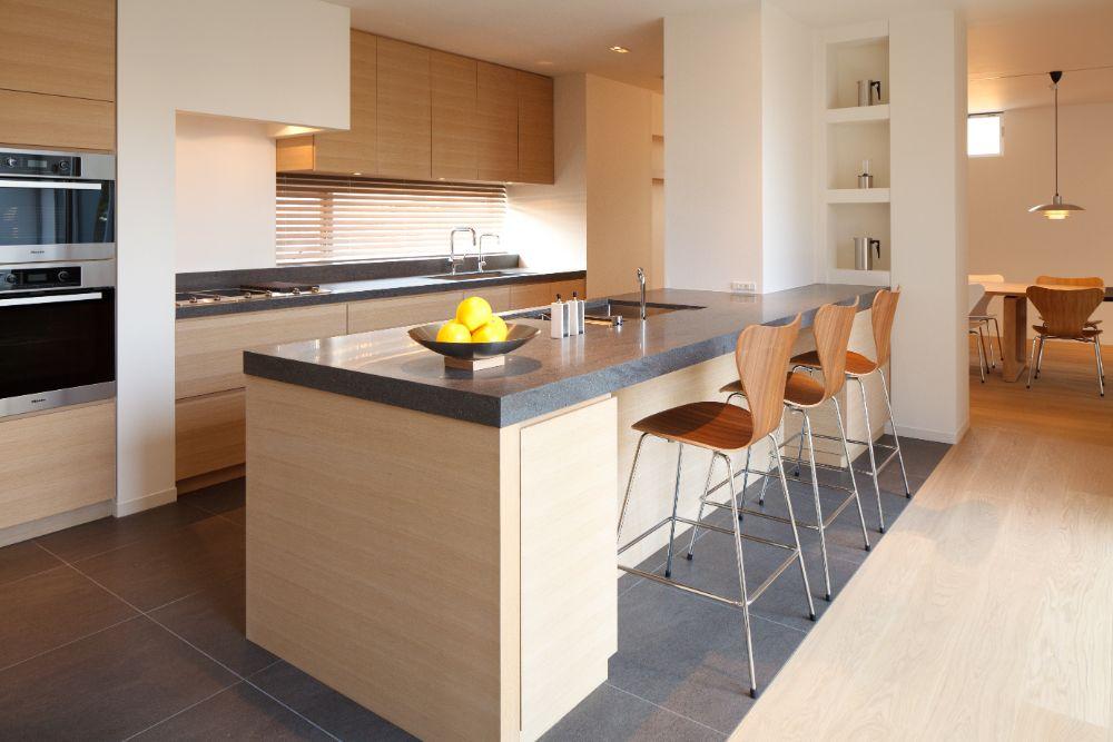 人工大理石を使用したキッチン